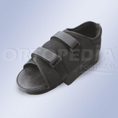 Sapato pós cirúrgico com tacão